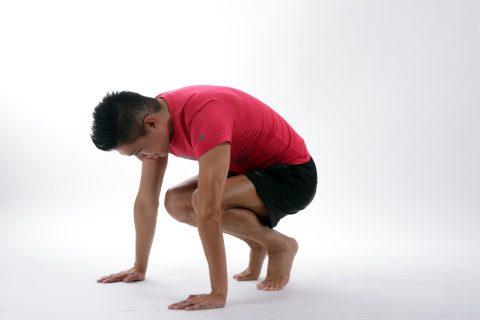 In jungen Jahren sollten Übungen unter Einsatz des eigenen Körpergewichts bevorzugt werden.